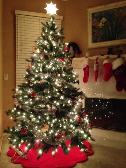 毎年同じツリーですが(笑)