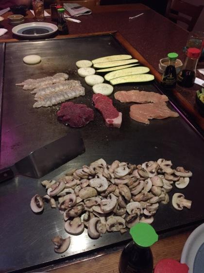海老とチキンとビーフに野菜